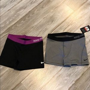 Bundle women's Large Nike shorts